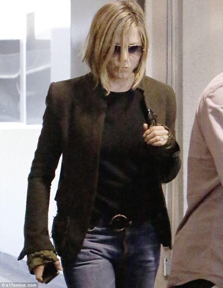 Schimbare radicala de look pentru Jennifer Aniston - VEZI cum arata acum actrita