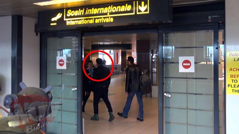 Imagini senzationale! Starul indian Salman Khan a ajuns in Romania! A fost asteptat de Iulia Vantur! Reporterii WOWbiz.ro au fost singurii care au surprins momentul intalnirii dintre cei doi indragostiti