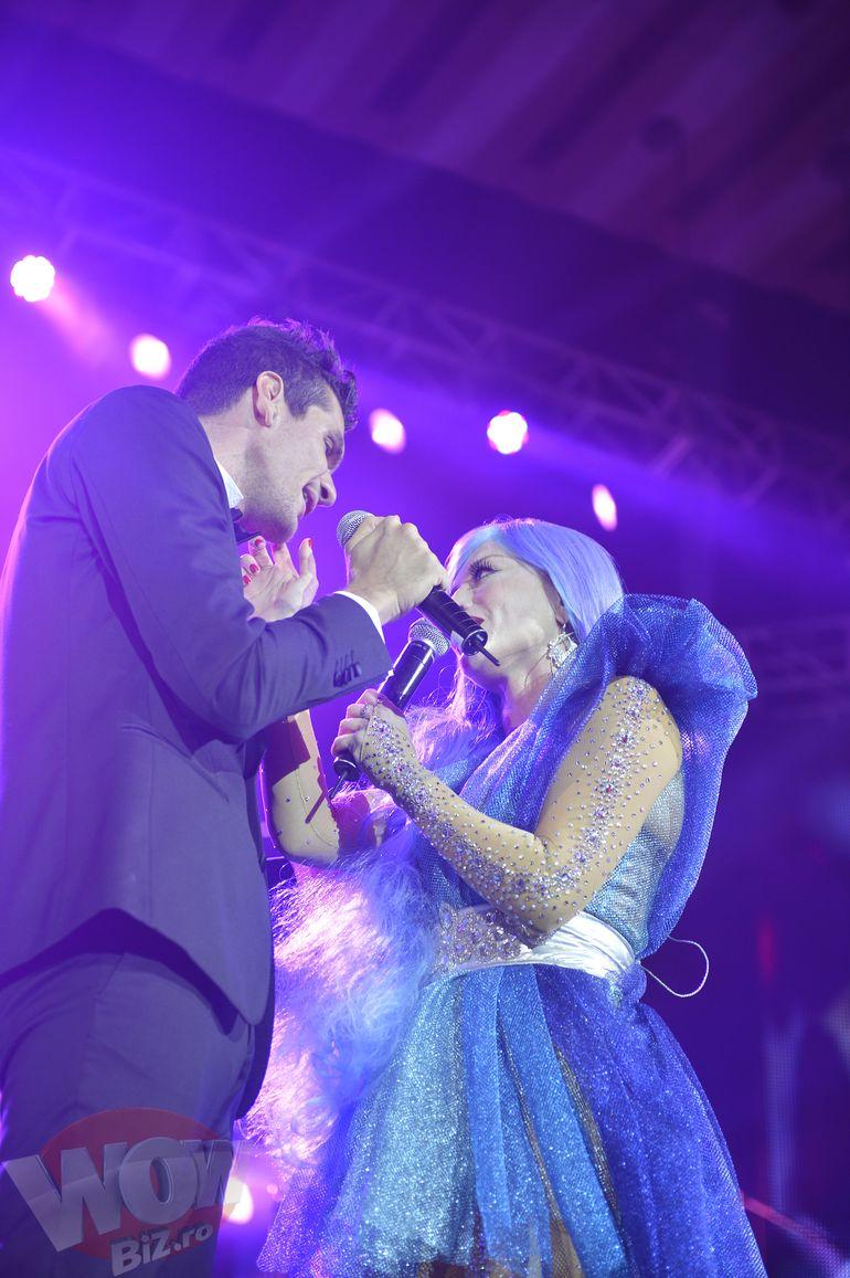 VIDEO! Loredana a cantat cu baiatul lui Florin Calinescu. La Sala Palatului, artista a avut duete de senzatie! A urcat pe scena si cu Tudor Chirila si a ridicat sala in picioare cu piesa P.O.H.U.I. interpretata alaturi de Carla's Dream