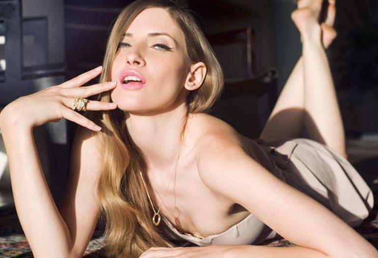Mihaela se ia de Iulia Albu! Vezi ce spune despre fashion editor! Iulia o sa se enerveze grav!