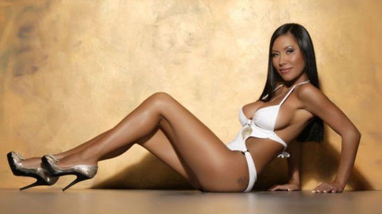 O vedeta sexy o ataca dur pe Bianca Dragusanu: