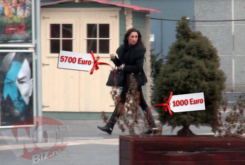 VIDEO EXCLUSIV! Andra da o avere pe haine! Doar cu banii pe cizme si pe geanta putea sa isi cumpere un Logan! Vezi de la ce firme celebre le-a achizionat...