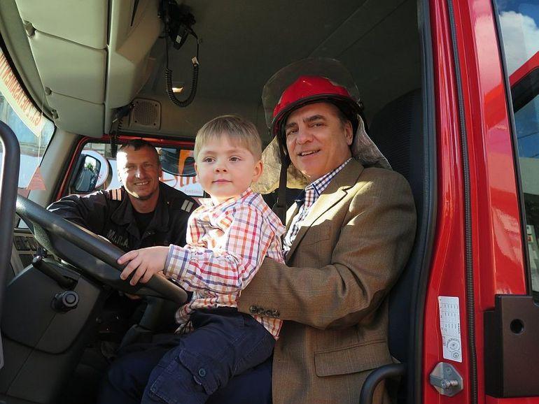 VIDEO   Momente haioase cu Printul Paul de Romania si fiul lui, Carol Ferdinand! E imposibil sa nu te impresioneze aceste imagini!