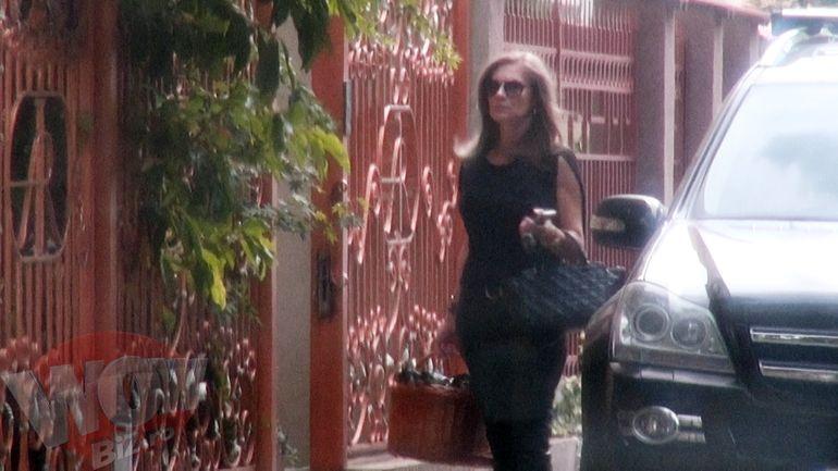 VIDEO | Romanita Iovan se tine de cuvant! Designerul poarta in continuare doliu dupa tatal copilului ei!