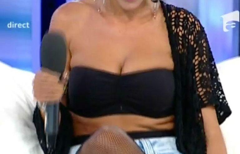 In ce hal s-a putut imbraca Dana Roba la o emisiune TV! Simonei Gherghe i-a picat fata cand a vazut-o