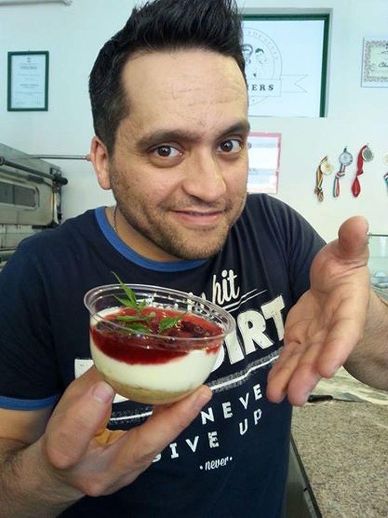 VIDEO Mehrzad, fostul concurent de la MasterChef, a castigat cel mai nebun raliu din Bucuresti cu un ceaun pe roti!