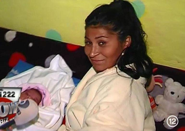 VIDEO Ramona de la Clejani si-a dus acasa fetita nou-nascuta! Uite cum a decurs intalnirea emotionanta a surorilor mai mari cu micuta Maya!
