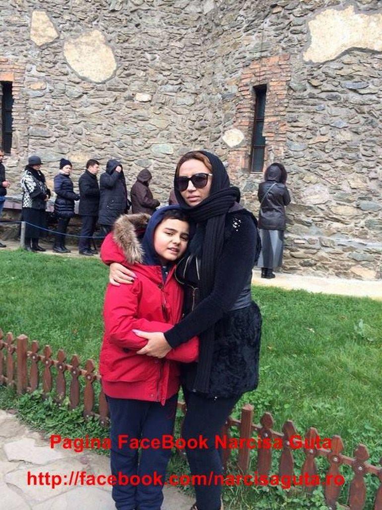 Narcisa Guta s-a retras la manastire! S-a rugat la mormantul lui Arsenie Boca