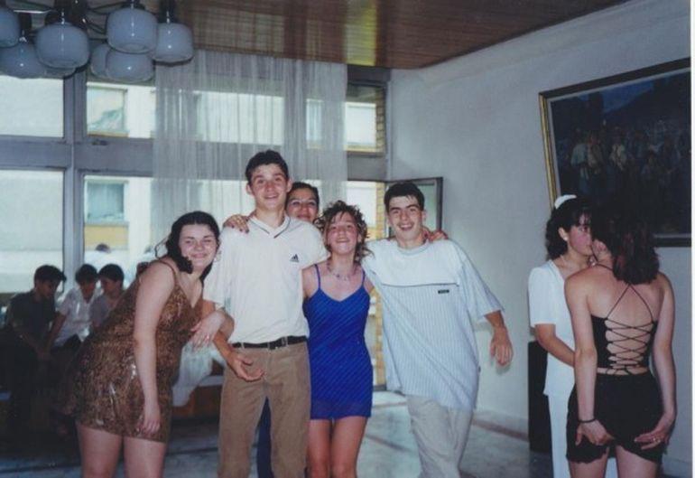 Cine crezi ca e vedeta care arata ASA in adolescenta!