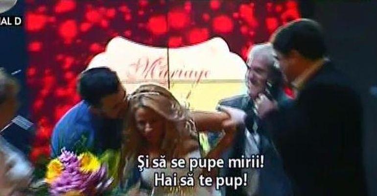 VIDEO Sanziana Buruiana a fost maritata cu forta, in vazul lumii! Blonda a fost ceruta in timp ce proba o rochie de mireasa si a inceput sa tipe in ultimul hal sa fie lasata in pace