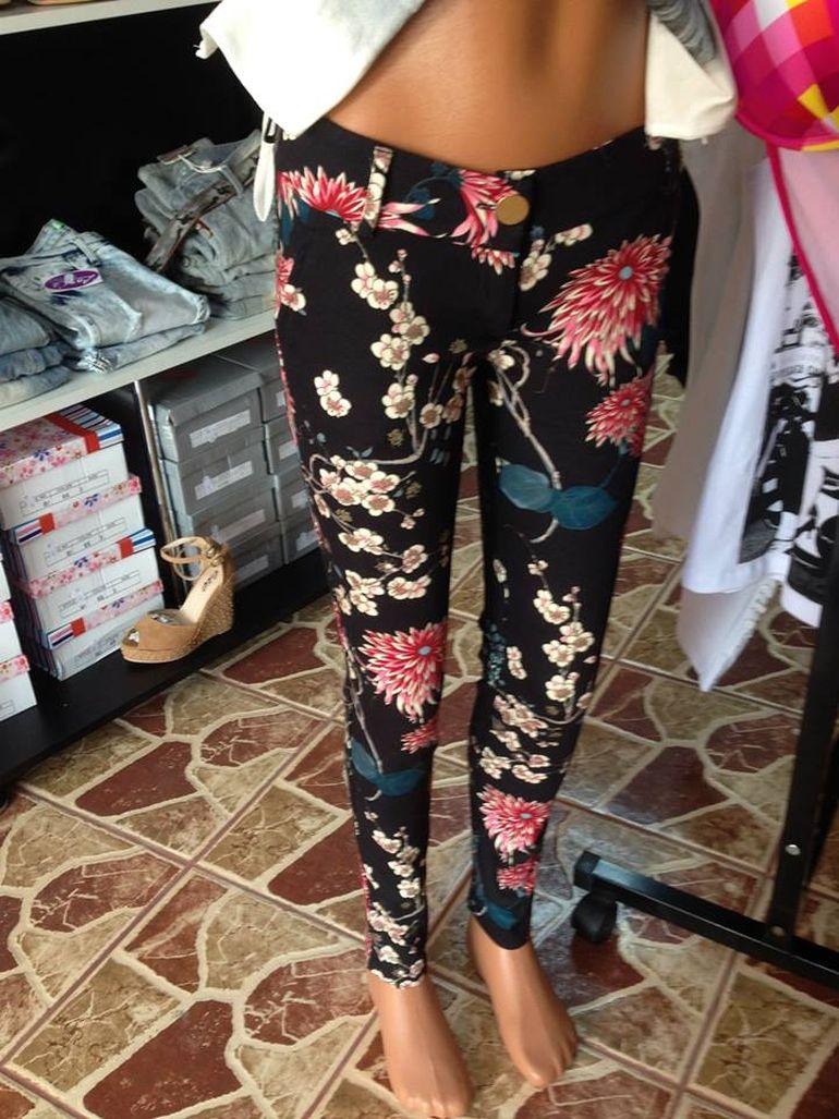 FOTO! Gata, s-a lamurit misterul! Nicoleta Guta isi cumpara din propriul magazin hainele cu care zgarie retina publicului!