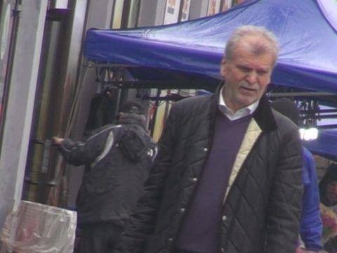 """VIDEO! Dinu """"Vama"""" s-a linistit! A fost neinsotit la cumparaturi si n-a mai vorbit singur!"""
