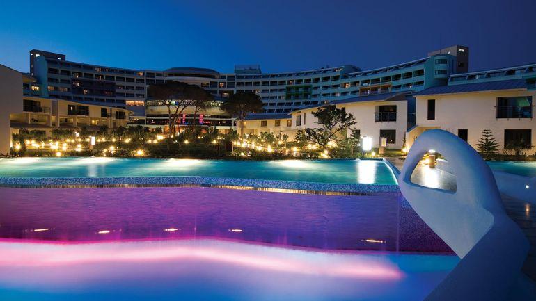 EXCLUSIV! In Paradisul asta isi vor petrece Gabriela Cristea si Tavi Clonda luna de miere! Cei doi indragostiti se vor caza la un hotel de cinci stele din Belek, unde se vor bucura chiar si de piscina personala!