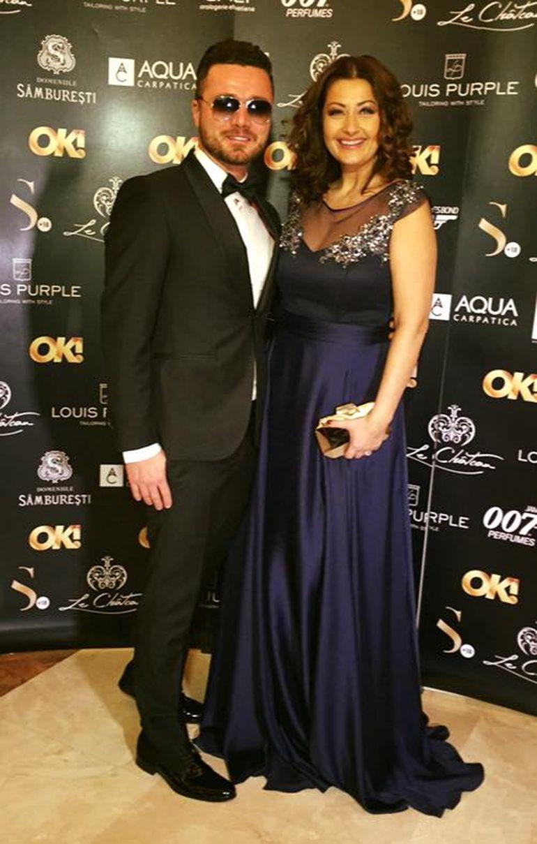 Gabriela Cristea si Tavi Clonda, cuplul perfect la petrecerea cu tematica James Bond! Uite ce rochie frumoasa a purtat prezentatoarea