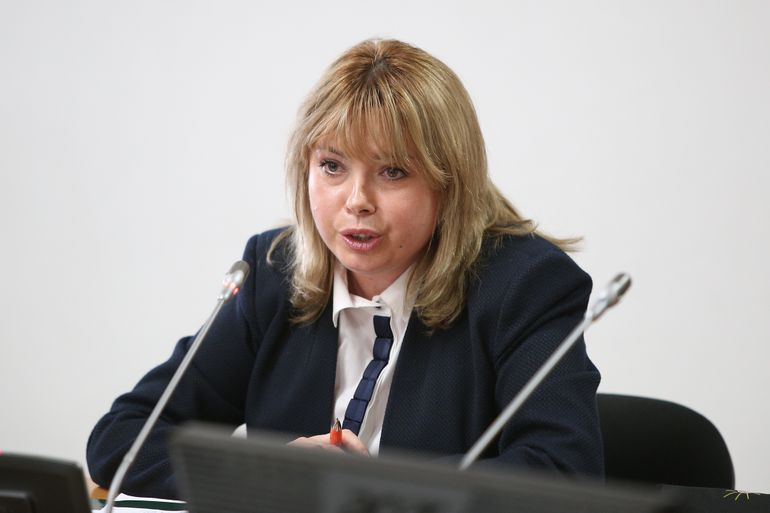 FOTO! Ea e ministrul finantelor in Romania, sotul ei e plin de muschi! Barbatul Ancai Dragu este antrenor de inot la o piscina din Bruxelles! Avem imagini senzationale cu el! Acum e clar de ce e poreclit Iron Man