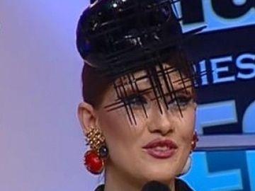 """VIDEO Iulia Albu pune vedetele la zid! A facut-o varza pe Iuliana Luciu: """"Incearca sa aiba o atitudine de lady, dar e greu dupa ce pozezi in chiloti!"""" N-o sa-ti vina sa crezi cine a primit trofeul WOW!"""