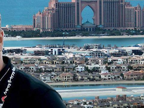 FOTO! Olaroiu si Radoi sunt vecini in cel luxos complex din lume! Oli si Mirel au case de milioane in celebrul Palm Jumeirah, din Emiratele Arabe! Daca antrenorul detine o vila de 3 milioane de dolari, stelistul se lauda cu un apartament de 800.000 de dol