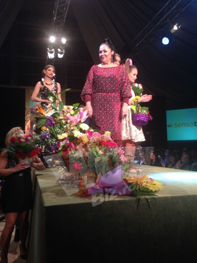 Liza Panait A Socat La Prezentarea Ei De Moda Curochia De Mireasa