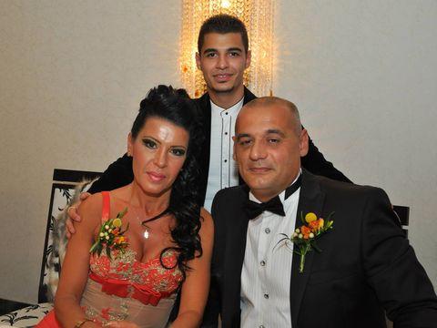 EXCLUSIV   Soacra lui Pitbull isi insoara fiul! Fiica Andei Ghita, insa, va absenta de la nunta fratelui ei! La ultima cununie din familie s-a lasat cu SCANDAL URIAS! Mama si fiica nu-si vorbesc nici in ziua de azi!