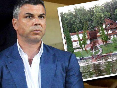 """Cosmin Olaroiu merita titlul de """"rege al Snagovului""""! Dupa ce si-a cumparat o casa fabuloasa si si-a construit o ferma, antrenorul a mai obtinut o autorizatie pentru a ridica o vila turistica in padurea de pe malul lacului!"""