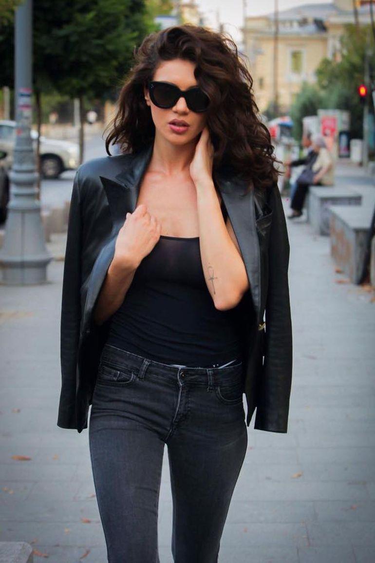 Acum e bomba-sexy, dar uite cum arata Cristina ICH in urma cu sapte ani! Pe vremea aia locuia in Italia!