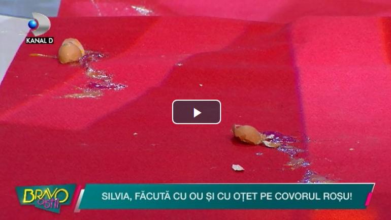 """Silvia, atacata cu OUA in platoul emisiunii """"Bravo, ai stil!""""! Imagini incredibile cu concurenta care isi curata oul din cap"""