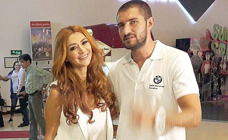 Denisa Tanase, prima aparitie dupa ce s-a despartit de Catalin Cazacu! Cum a fost surprinsa in mall