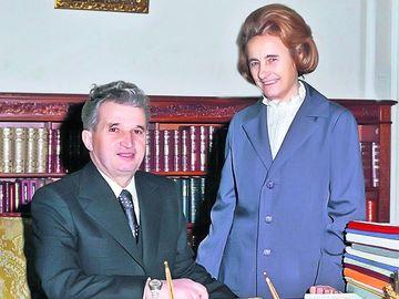 """Banuita ca ar fi fost admirata de Ceausescu si invidiata de """"tovarasa"""", Matilda Pascal Cojocarita spune adevarul! """"Elena statea in primul rand la spectacolele mele si ingana versurile! El, insa, stia cantecele la perfectie!"""" Declaratii incendiare despre f"""