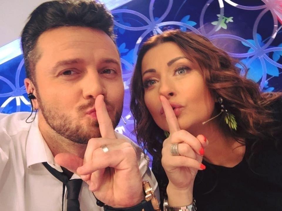 """Gabi Cristea nu face Revelionul cu sotul ei? Tavi Clonda: """"Eu voi canta cu trupa la Craiova. Gabi s-ar putea sa vina sau nu cu mine"""" – Afla detalii - VIDEO EXCLUSIV!"""