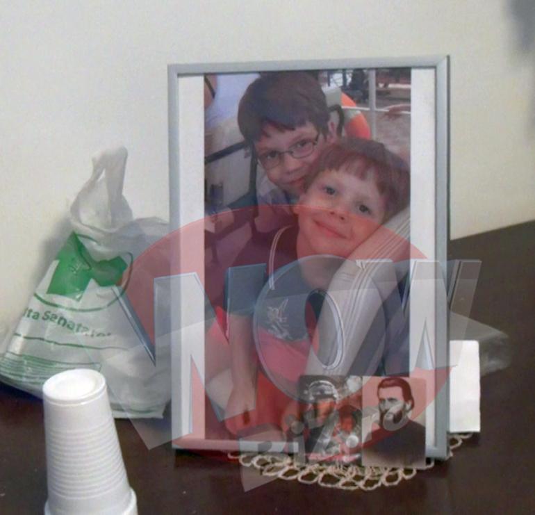 Cum s-au purtat parintii lui Ionut Anghel, dupa inmormantare, cu bunica care il supraveghea pe micutul sfasiat de caini in ziua tragediei! VIDEO EXCLUSIV