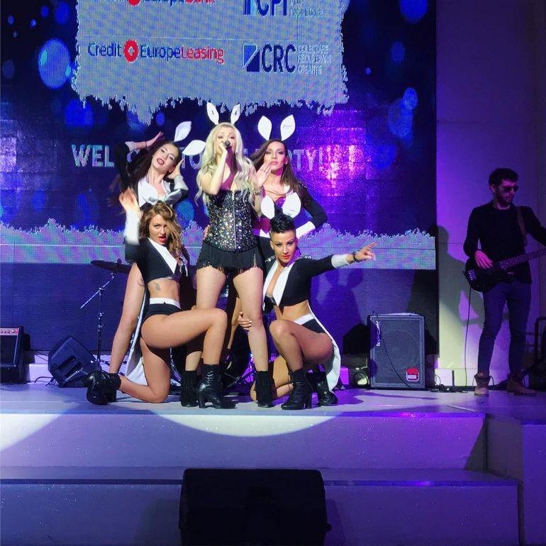 Imagini de culise cu dansatoarele Andreei Balan! Fetele au fost filmate in timp ce se schimbau! VIDEO-ul e public
