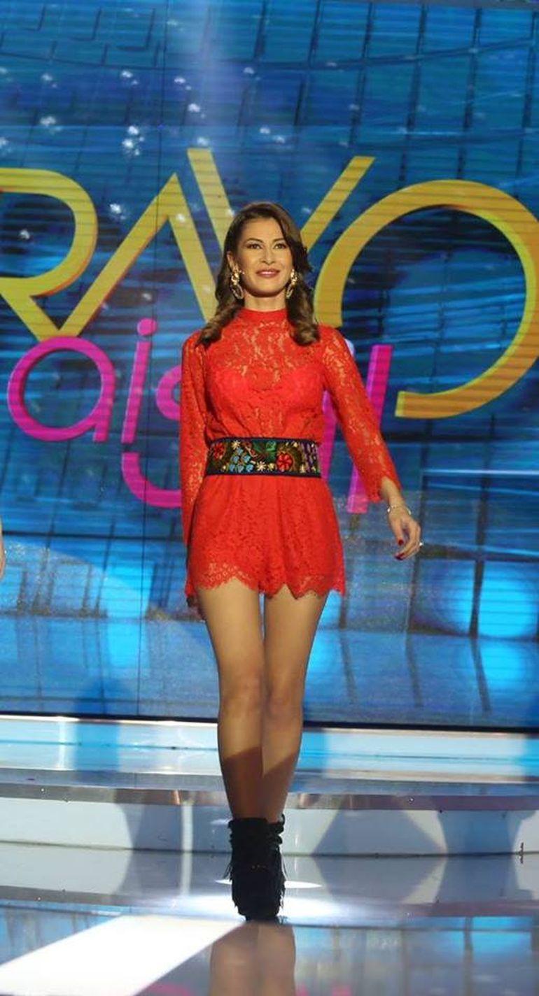 Cristina Mihaela de la 'Bravo, ai stil!' a facut furori pe net cu tinutele ei. Toti au zis ca e cea mai stilata din concurs. Tu ce zici?