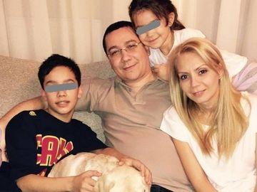 Victor Ponta plateste mii de euro pe an pentru studiile fiului sau de 13 ani! Cum a explicat fostul premier alegerea unei scoli private