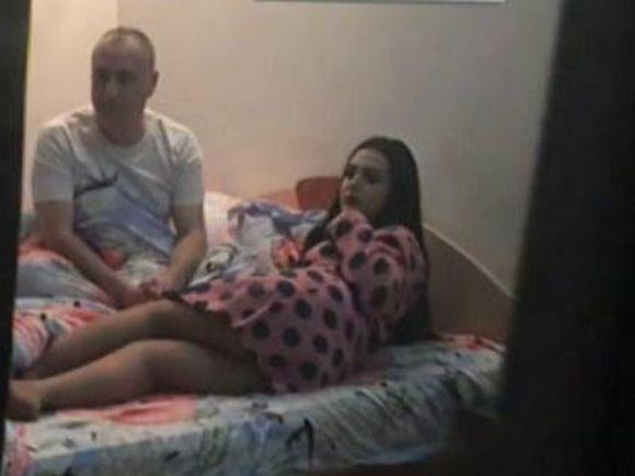Imagini compromitatoare cu Leo si bruneta Mihaela, direct din pat! Dovada ca intre cei doi au existat momente intime