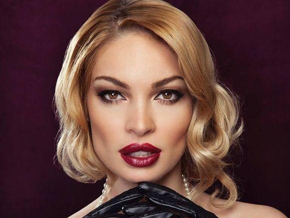 Valentina Pelinel va organiza nunta Soniei Trifan!