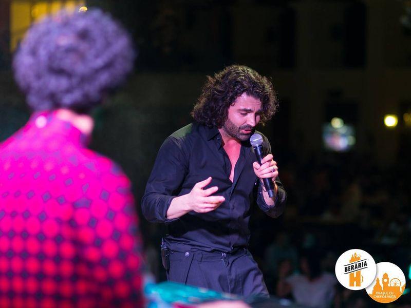 Pe 24 februarie, Pepe a cantat intr-o berarie din Bucuresti