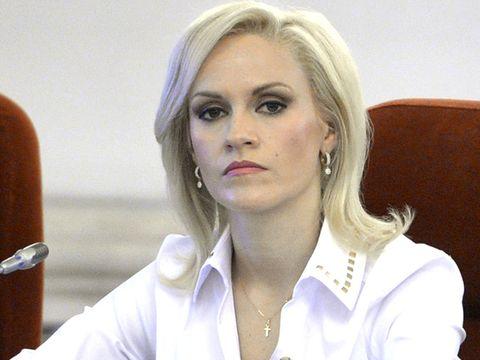 """Gabi Firea, """"atacata"""" de Mihaela Radulescu: """"Ea este...?""""- Continuarea i-a lasat masca pe telespectatori si pe colegii din juriu!"""