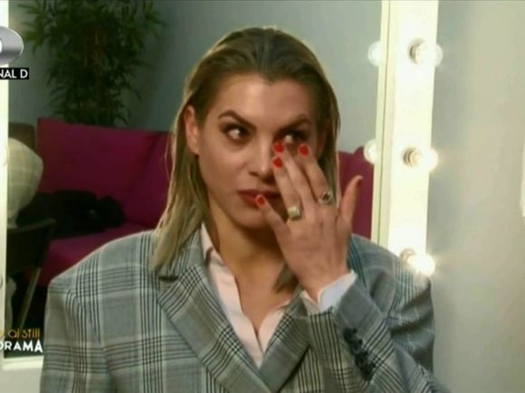 "Danuta, despre drama traita in Anglia: ""Doar sora mea stia ce viata am eu!"" Ce a povestit tanara la ""Bravo, ai stil! Panorama"" e emotionant Video"
