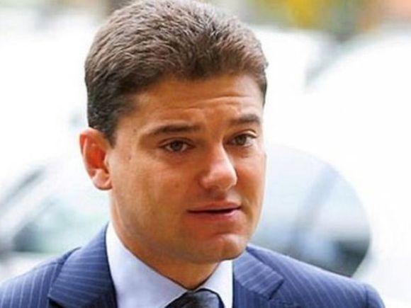 Cristian Boureanu va da o avere pe noii dinti! Fostul politician va plati 4000 de euro pentru refacerea celor sapte fatete sparte si pentru un implant | EXCLUSIV