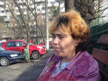 """Ioana Tufaru, fiica Andei Calugareanu, explica de ce prefera sa traiasca in saracie si nu se angajeaza. """"As pierde ajutorul social de 520 de lei pe care-l am pe viata. Singura varianta ar fi sa muncesc la negru"""" O femeie a oprit-o pe strada si a facut-o p"""