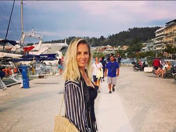 Andreea Bănică a fugit din ţară! Detalii neştiute despre escapada de vis a cântăreţei!