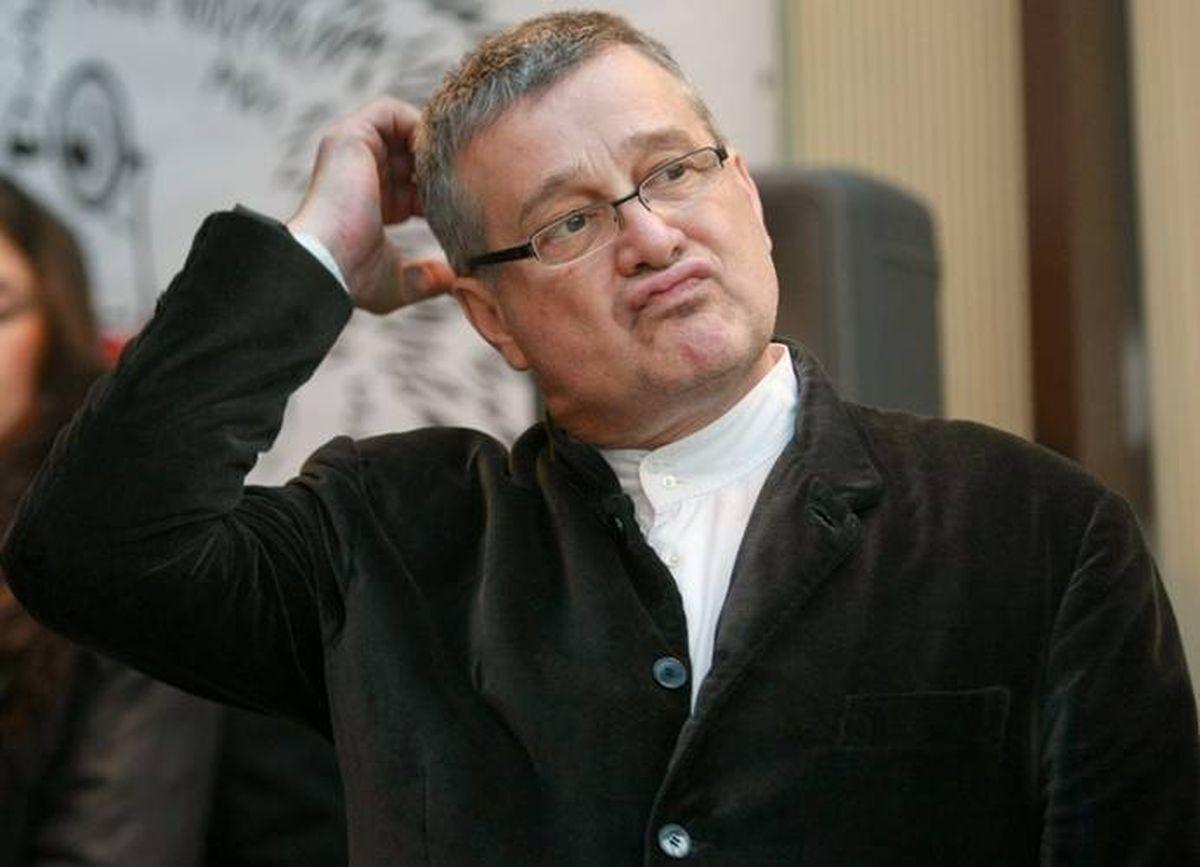 Cum arata sotia lui Mircea Dinescu - WOWBiz