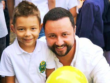 Catalin Maruta, alaturi de fiul lui, David, in prima zi de scoala