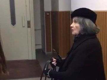 Surpriza, cum si-a facut aparitia Margareta Paslaru la priveghiul Stelei Popescu! La venirea ei, toata lumea a intors capul! FOTO