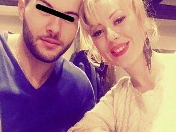 Cu EA a fost inlocuita Larisa Dragulescu! Iubitul a parasit-o dupa 3 ani de relatie! Acum Rares se iubeste cu o bomba sexy – Foto!