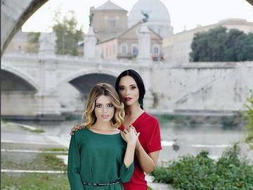 Fotografie de senzatie cu Andreea Marin si Alexandra Dinu