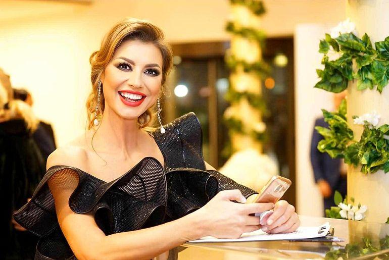 Cum arata Claudia Neghina in costum de baie la 35 de ani si 18 de cand a castigat titlul de Miss! WOW!