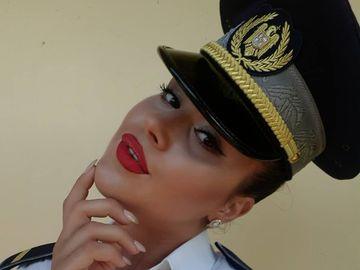 Ea este cea mai frumoasa politista din Romania! Are un chip angelic si adora sa pozeze sexy