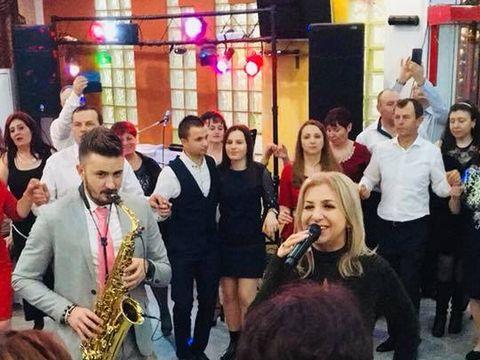 "Carmen Serban a facut anuntul: ""Ma marit! Vreau, nu vreau, ma marit"""