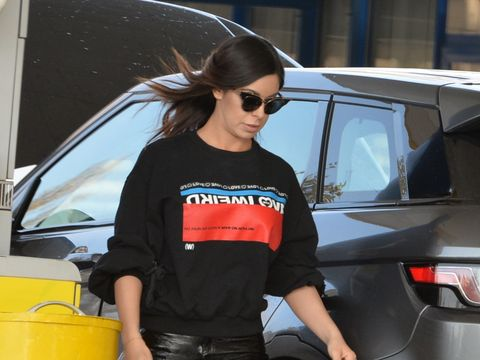 Achizitie de lux pentru Natalia Mateut. Vedeta conduce o masina de 40.000 de euro. Uite ce sexy e cand se apleaca sa caute in portbagaj VIDEO EXCLUSIV